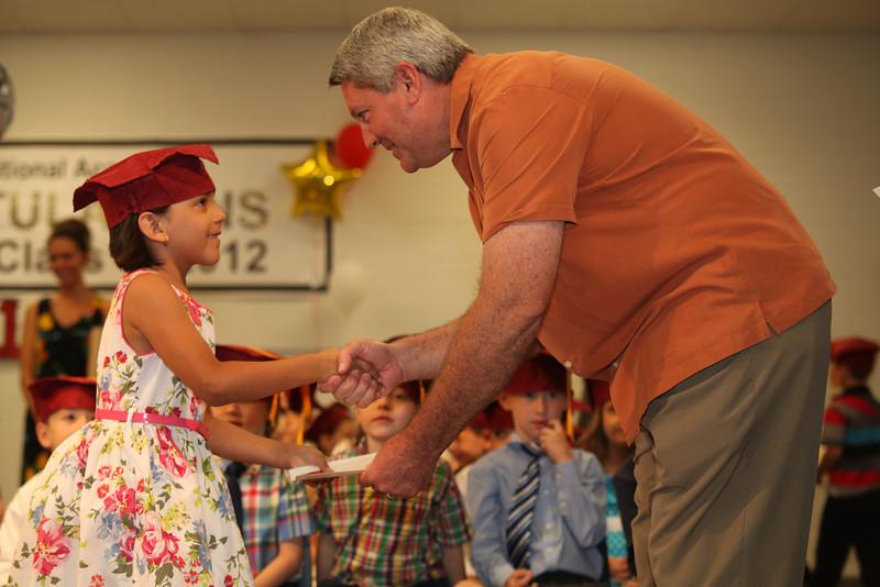 2012May18_MTA Kinder Grad_9725.JPG