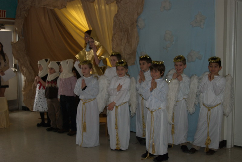 2011-12-18-Christmas-Pageant_166.jpg