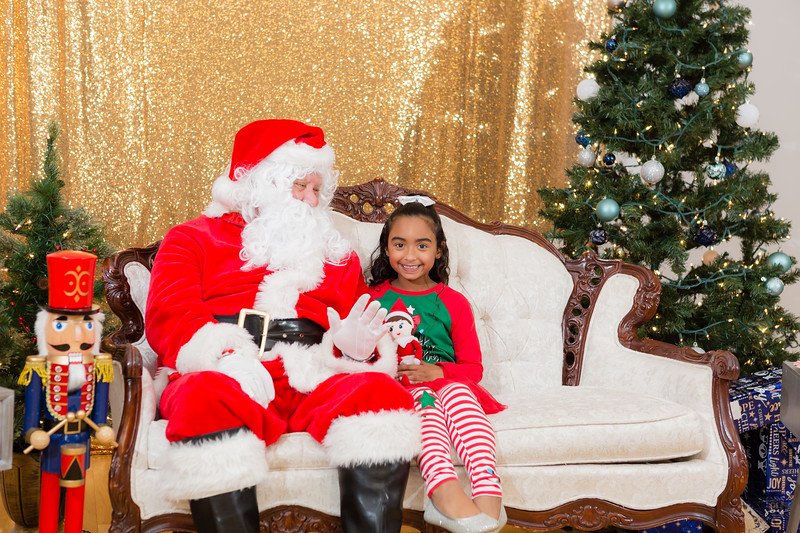 FADS Picture with Santa-270.jpg