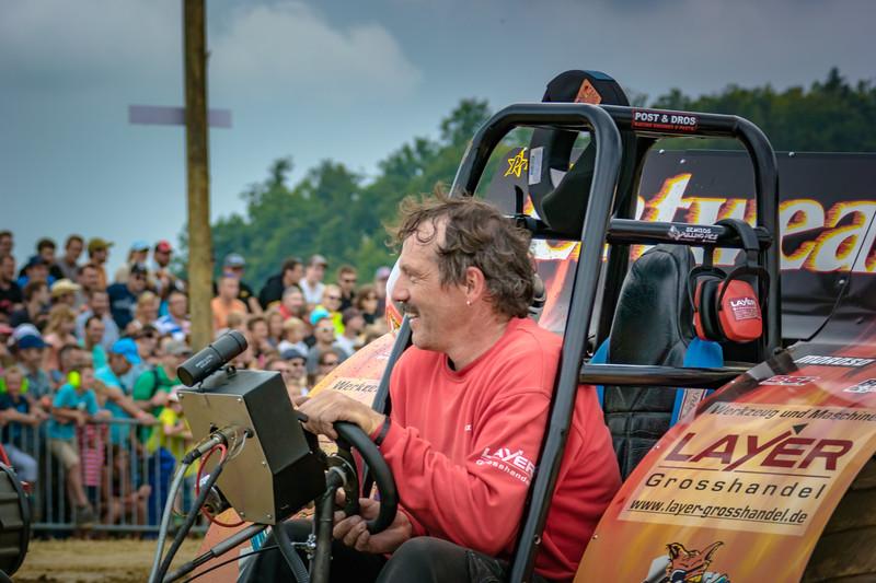 Tractor Pulling 2015 V3-0415.jpg