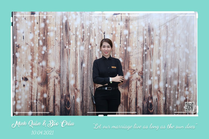 QC-wedding-instant-print-photobooth-Chup-hinh-lay-lien-in-anh-lay-ngay-Tiec-cuoi-WefieBox-Photobooth-Vietnam-cho-thue-photo-booth-110.jpg
