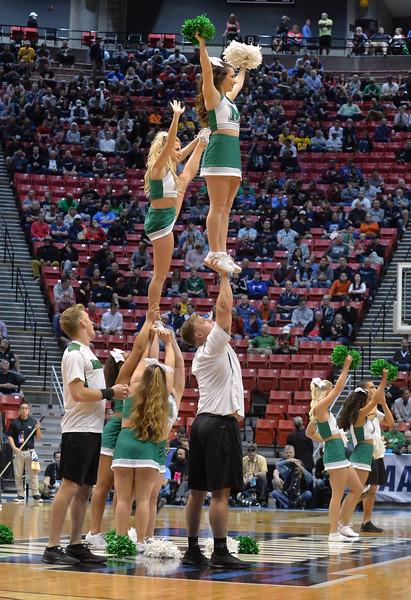 cheerleaders3991.jpg
