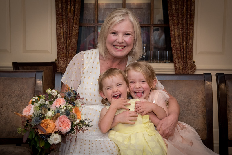 Sue & Mike's Wedding Day. Old Tollgate Hotel Bamber West Sussex Photography by Sophie Ward 22.09.2018