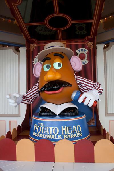 2010 - Jan - 18-24 - Family Disneyland Trip-7977