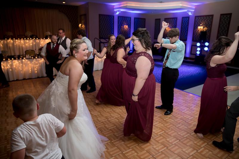Amanda & Tyler Wedding 1082.jpg
