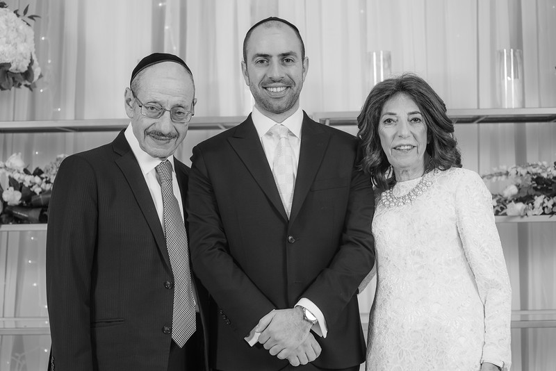 Miri_Chayim_Wedding_BW-128.jpg