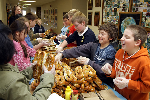Jenkintown ES students hand-made items for charity