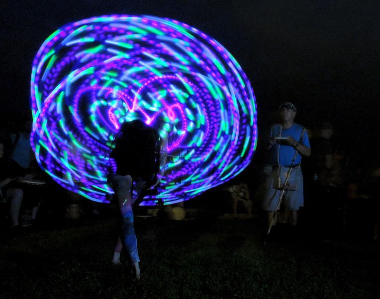 GlowButtandFanDSCN3753.jpg