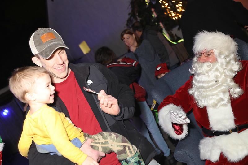 12-08-19-Christmas With Chris & Family-24.jpg