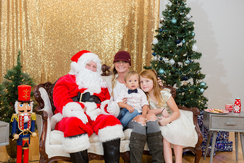 FADS Picture with Santa-371.jpg
