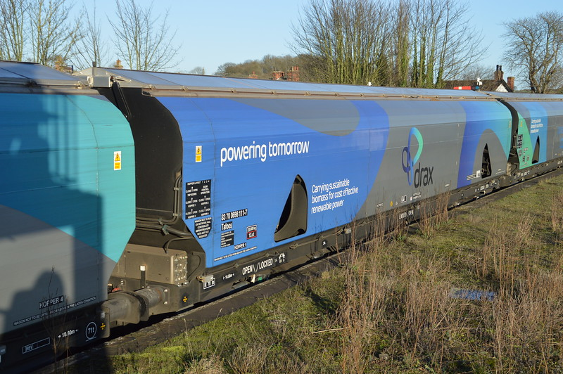 83700698111-7 on 6H63 Immingham-Drax PS   23/12/15