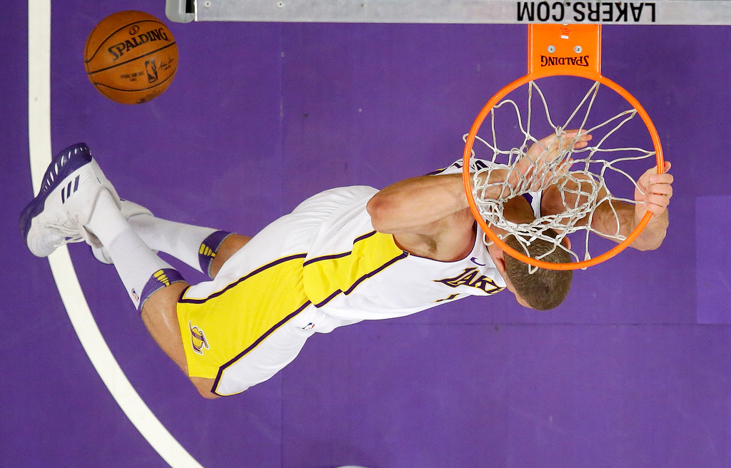 . Los Angeles Lakers center Brook Lopez dunks during the first half of an NBA basketball game against the Cleveland Cavaliers, Sunday, March 11, 2018, in Los Angeles. (AP Photo/Mark J. Terrill)