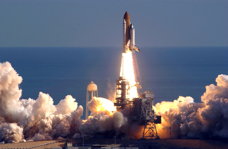 . Space Shuttle Columbia lifts off of launch pad 39-A from the Kennedy Space Center January 16, 2003 in Cape Canaveral, Florida.  Columbia broke up upon re-entry to earth February 1, 2003.  (Photo by Matt Stroshane/Getty Images)