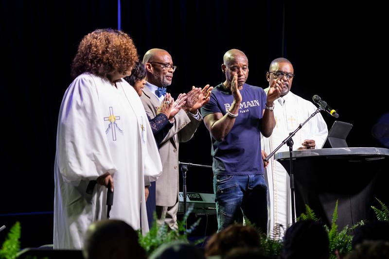 Sunday Praise and Worship - 040.jpg