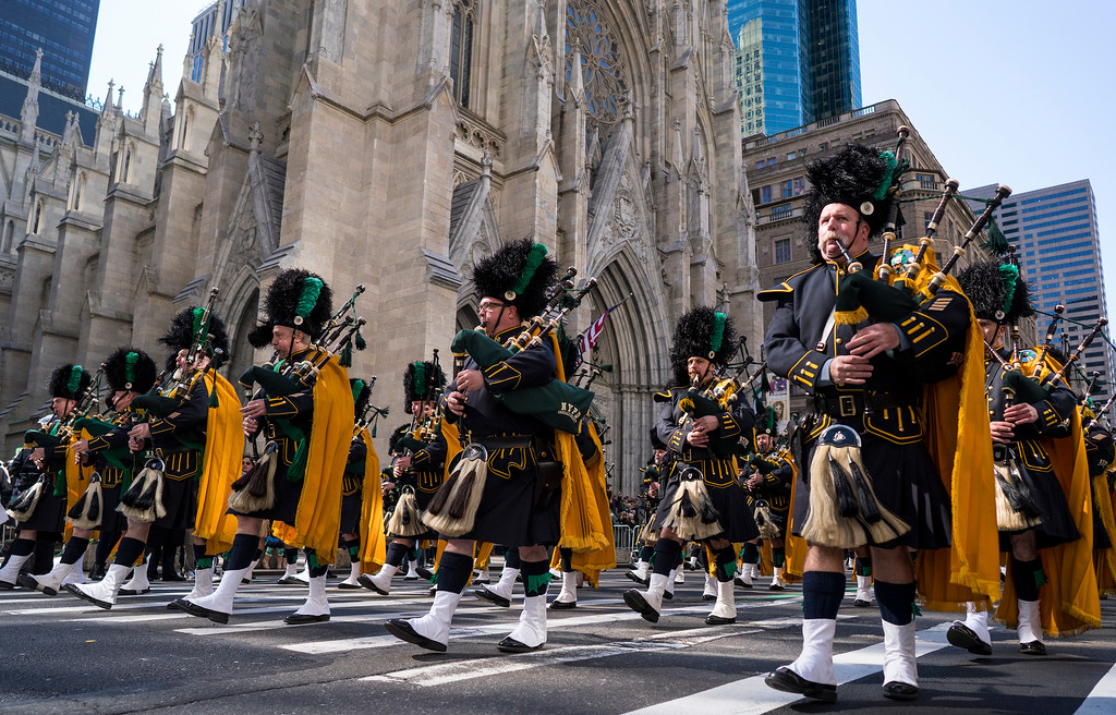 . Bagpipers with the NYPD Emerald Society walks past St. Patrick\'s Cathedral as they take part in the St. Patrick\'s Day parade Saturday, March 17, 2018, in New York.  Irish Prime Minister Leo Varadkar joined along as Manhattan\'s Fifth Avenue came alive with the sound of bagpipes, trumpets and lots of green during the 257th running of the parade.  (AP Photo/Craig Ruttle)