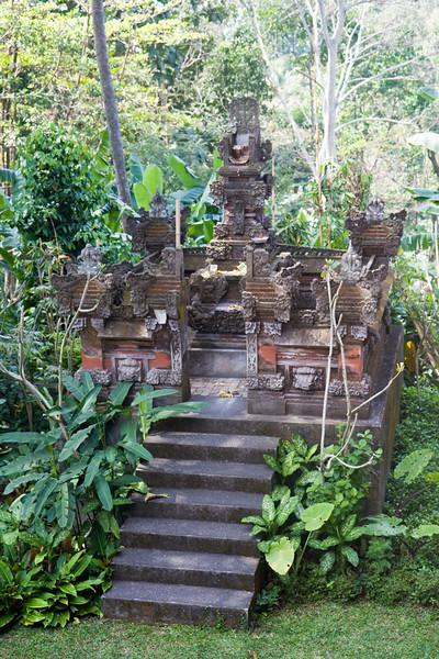 Small temple near Neka Art Museum