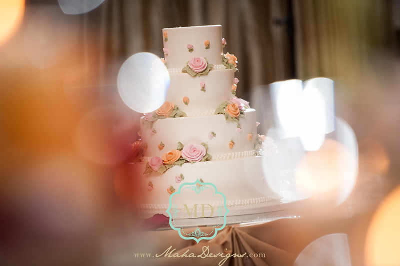 wedding cake design maha designs wedding photography belvedere banquet elk grove village-1.jpg