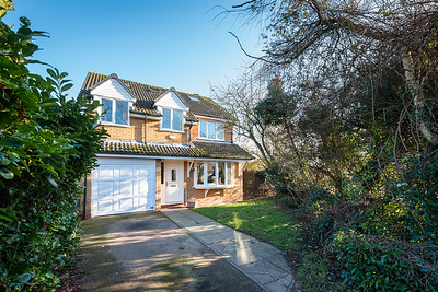 25 Lake Way Stukeley Meadows