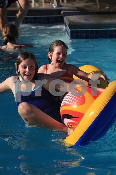Hayley & Julia 4709.jpg