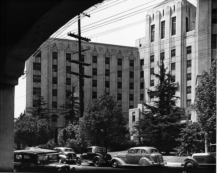 Cedars of Lebanon Hospital on Fountain Avenue