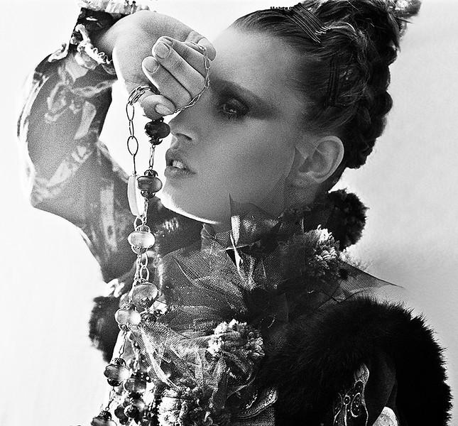 Photo-agency-photographer-agencies-Creative-Space-Artists-Alberto-badalamenti-CARICATA actress Paris SVEVA ALVITI 1 .jpg