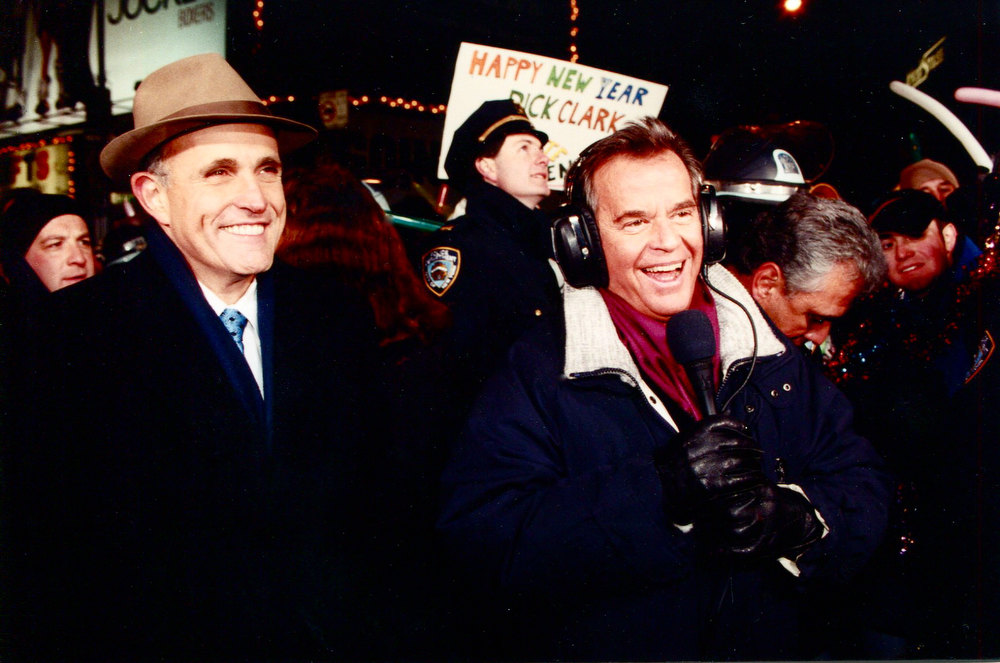 . NYRE 1998 Dick Clark with NYC Mayor Rudy Giuliani