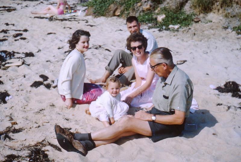 1964-12 Alex, Kim, Nigel & Don't know.jpg