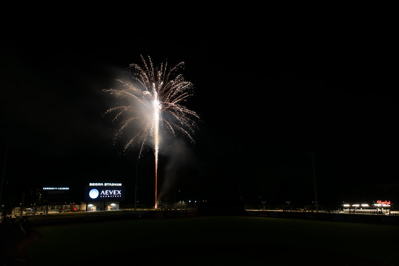 Fireworks_750_0539.jpg