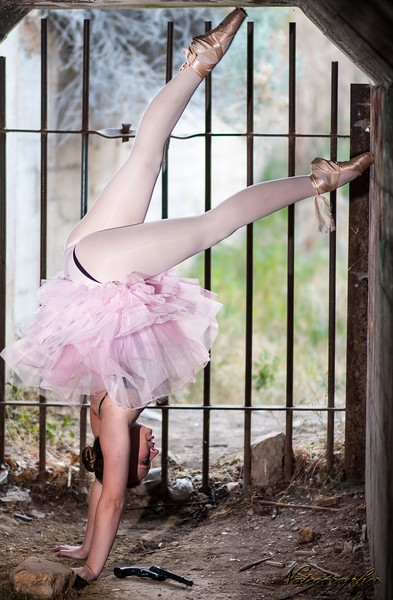 Lindsay Dance-165 rev A.jpg