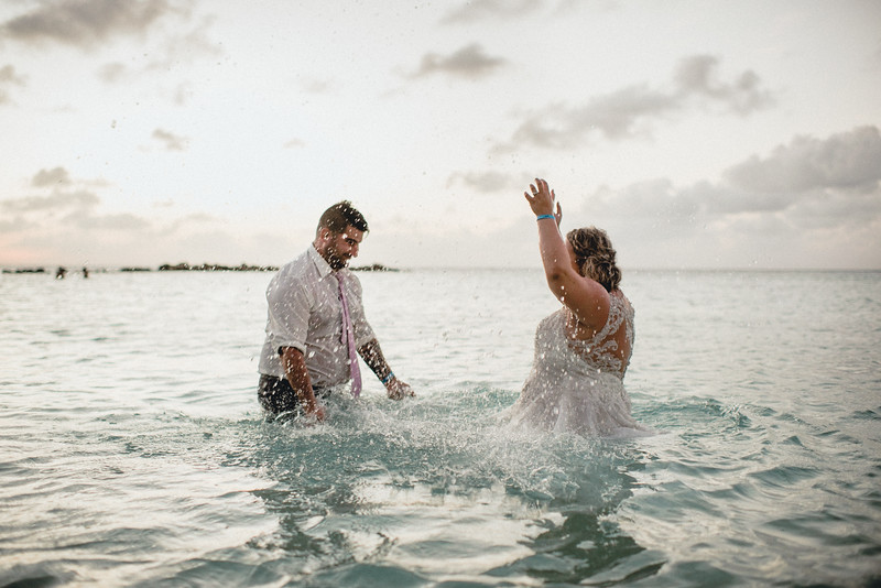 Requiem Images - Aruba Riu Palace Caribbean - Luxury Destination Wedding Photographer - Day after - Megan Aaron -81.jpg