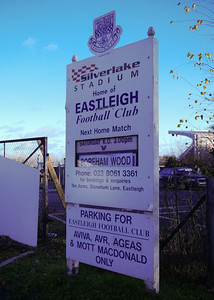 Eastleigh 2 Boreham Wood 0 - Conference South - 17/12/11