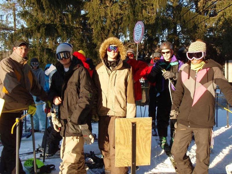 SnowTrailsOpeningDay12_16_09_011.jpg