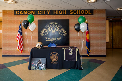 Cole Smith NLI Signing 2018-03-01