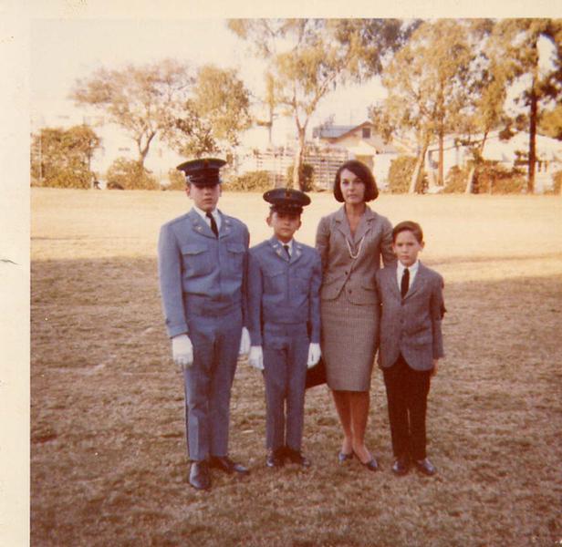 Peter_Dexter_Mom_Tony 1961.jpg