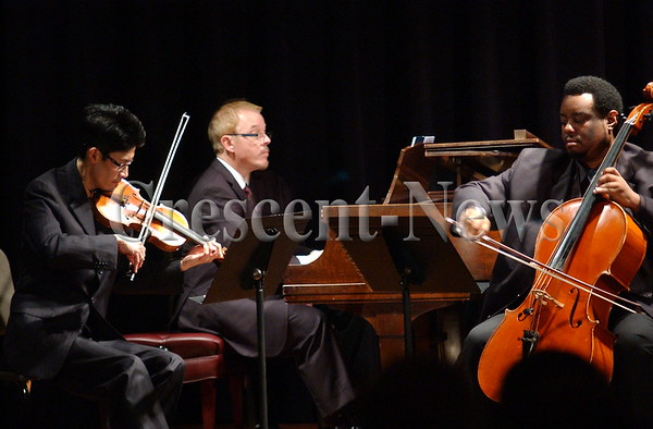 11-23-14 NEWS tb Toledo Trio Concert