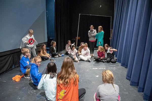 Middle School Drama Club Fall Performance