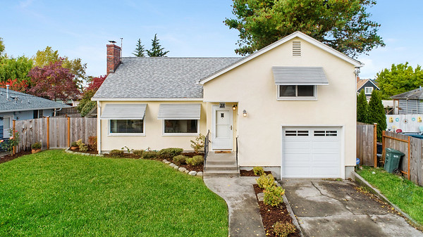 411 7th Ave NW, Puyallup