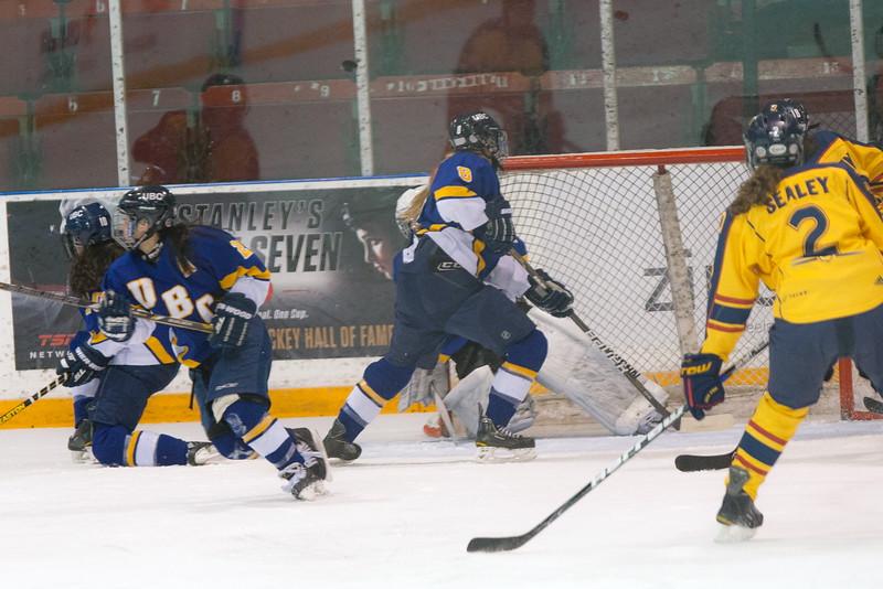 20130310 QWHockeyvsUBC 227.jpg