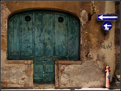 Lucca: doors and windows (2010)