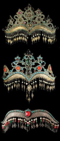 47f97c3d1f65532f48b6e69cd42a6a06--royal-jewels-crown-jewels.jpg