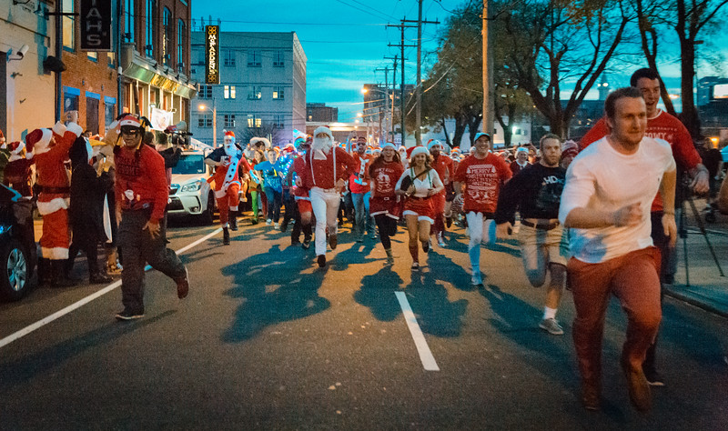 Running with Santa Philadelphia 12-12-2015-3349.jpg