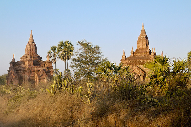 The beautiful crumbling orange temples in Bagan, Burma (Myanmar)