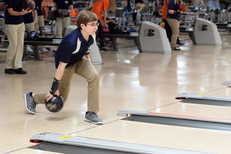 boys_bowling_9784.jpg