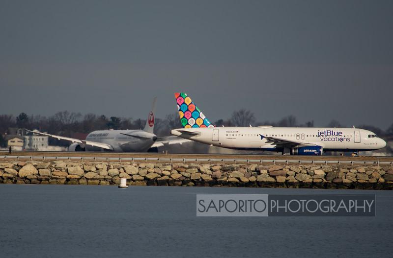 JetBlue A320 with Japan 787