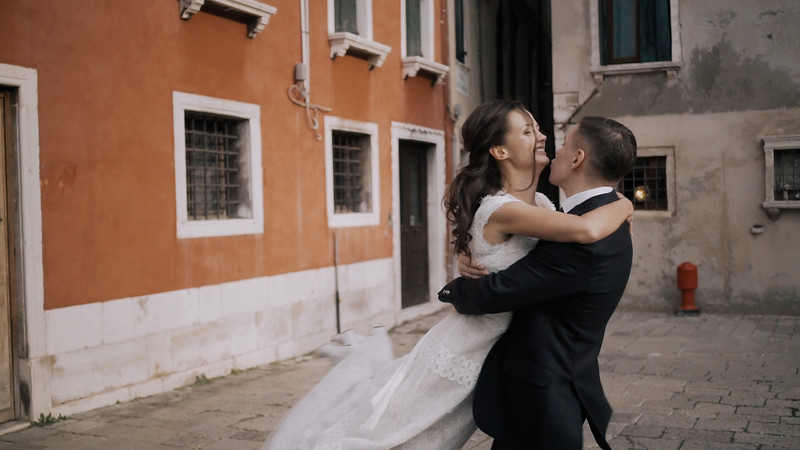Tu-Nguyen-Destination-Wedding-Photographer-Elopement-Venice-Italy-Europe-w62a31.jpg