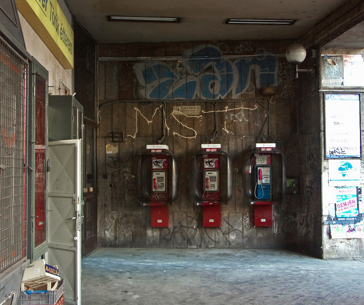 Budapest Phones - 0246.jpg
