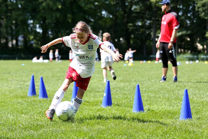 hsv_fussballschule-482_48047998433_o.jpg