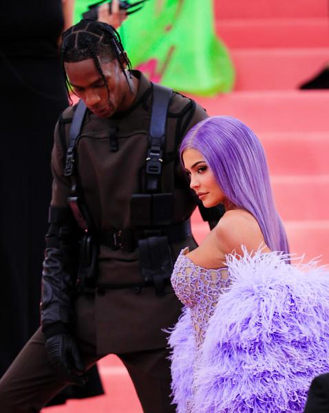 05.06.2019-Kendall Jenner Kylie Jenner Kim Kardashian Kanye West Travis Scott_Z_10.jpg