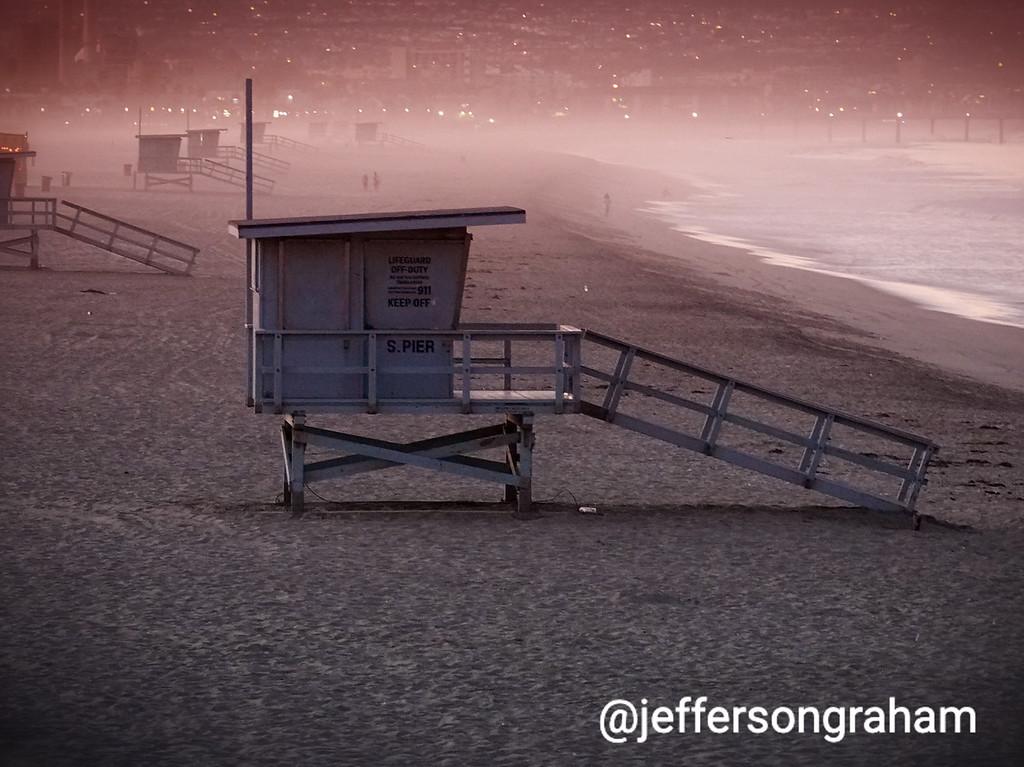Manhattan Beach lifeguard station