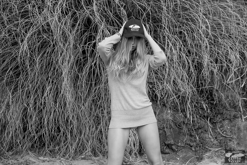 Cute! Nikon D800E Photos Beautiful Swimsuit Bikini Model Goddess with Long, Sandy-Blond Hair!